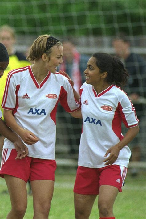 Watch Bend It Like Beckham 2002 Full Movie Pictures Photos From Bend It Like Beckham 2002 Imdb