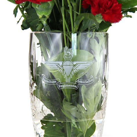 Engraved Flower Vase by Large Engraved Barrel Vase 23cm Parachute Regiment And