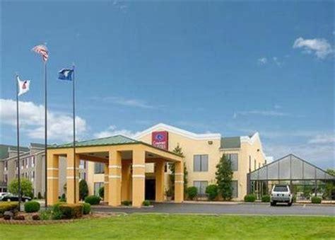 comfort inn paducah comfort suites paducah paducah deals see hotel photos
