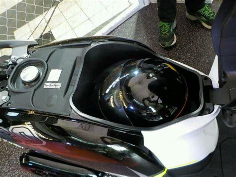 Diskon Sandaran Belakang Honda Scoopy all new honda scoopy pakai pelek 12 resmi meluncur