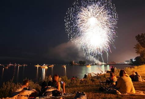 backyard firework show expected increase in backyard fireworks shows on fourth of