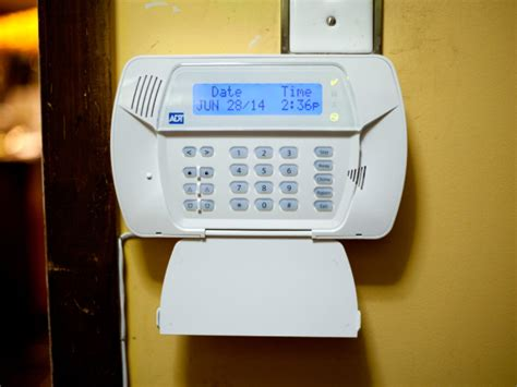 Adt Home Security System by How Thieves Can Hack And Disable Your Home Alarm System
