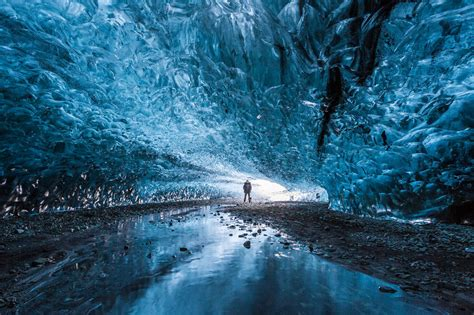 iceland ice caves i finally visited the ice caves in iceland bored panda