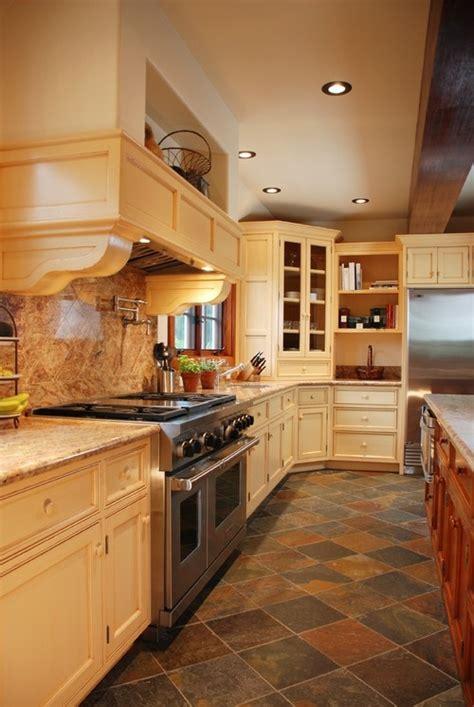 slate kitchen floor best 25 slate kitchen ideas on cabinets in kitchen ceramic kitchen floor