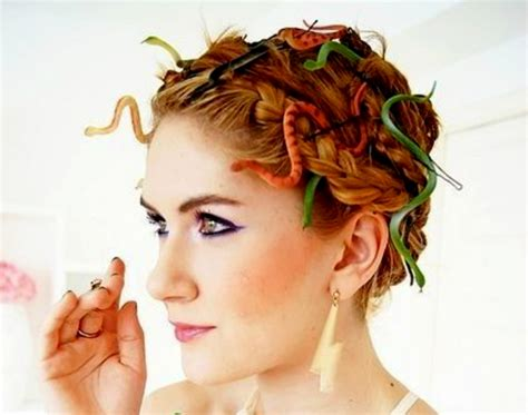 easy homemade hairstyles 17 halloween hairstyles to complete your killer costume