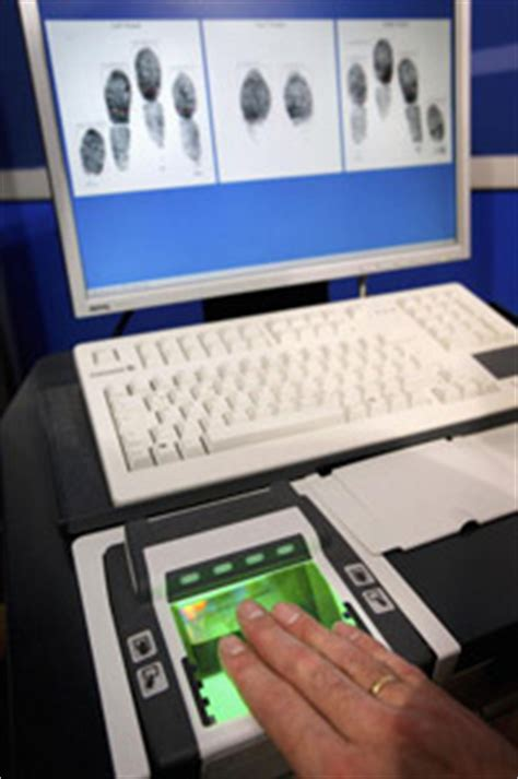 Fingerprinting And Background Check Modern Fingerprinting Techniques Modern Fingerprinting Techniques Howstuffworks