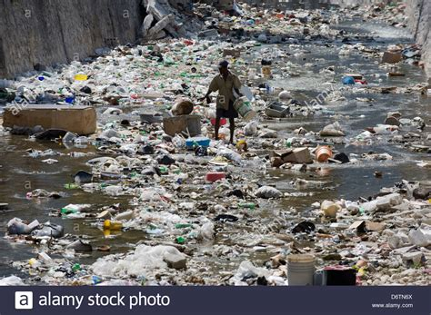au prince haiti looking a garbage filled river au prince haiti