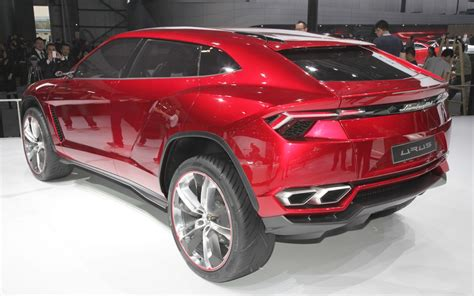 lamborghini urus report lamborghini urus to begin production in april