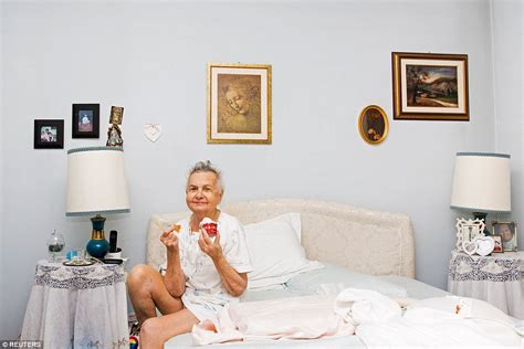 eating ice cream before bed photographer documents the heartbreaking end of her nonna