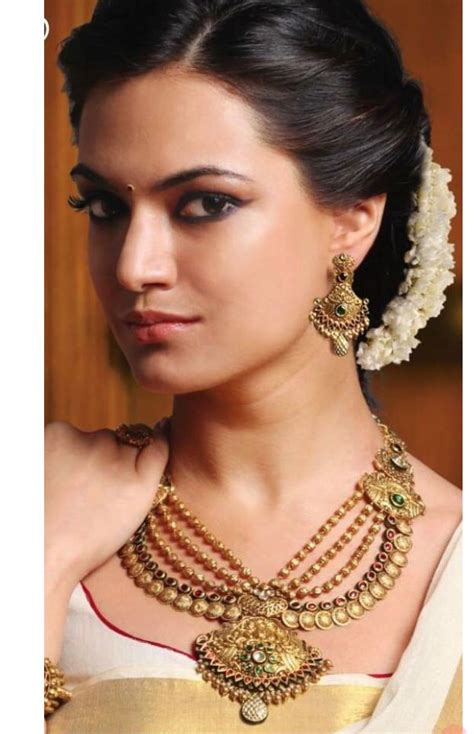 hairstyles for wedding party with saree 16 best indian weddings images on pinterest hindus