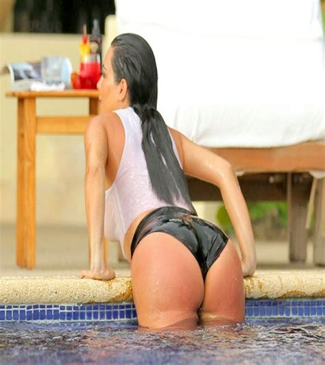 kim kardashian hot and sizzling huge booty photo shoot 10 photos of kim kardashian s booty the edge search