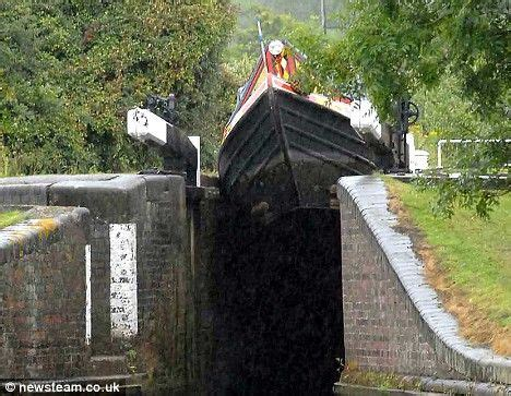 narrow bow of a boat narrowboat google search narrow boats pinterest