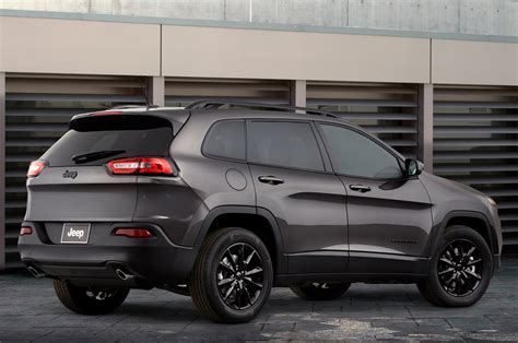 jeep cherokee altitude 2014 jeep cherokee grand cherokee and wrangler gain