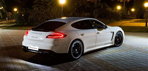 porsche panamera white maria sharapova rocking gorgeous white 2014 porsche