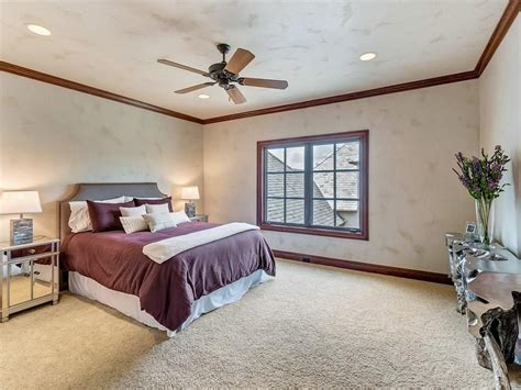 Selena Gomez Bedroom by Selena Gomez Lists Stunning Fort Worth Estate In