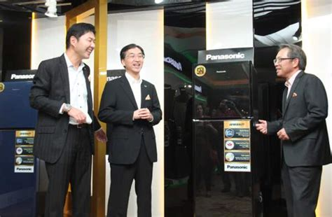 Kulkas Panasonic Japan usung japan quality panasonic targetkan tumbuh 20 persen
