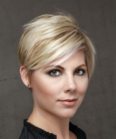 Short Straight Casual Pixie Hairstyle with Side Swept