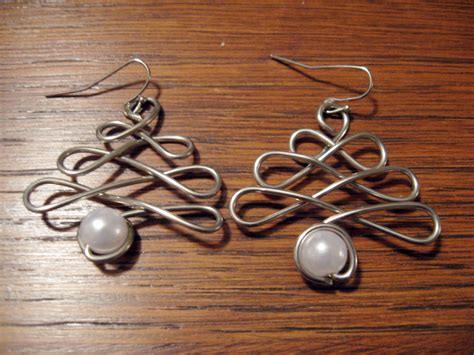diy wire wrap christmas tree earrings make something