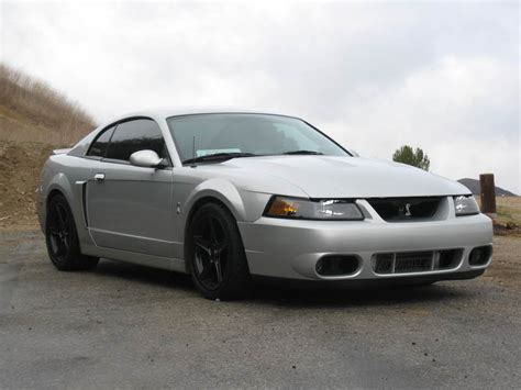 99 04 mustang side skirts pic request white 99 04 mustang w 03 04 side skirts