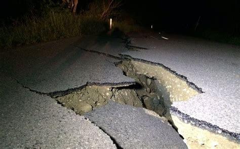 earthquake kaikoura new zealand earthquake leaves residents and tourists
