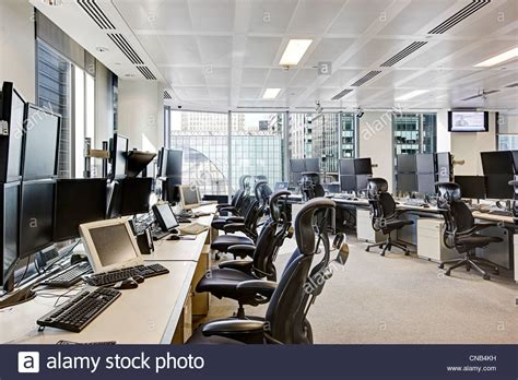 trade desk stock price trading desks city london canary wharf office bank stock