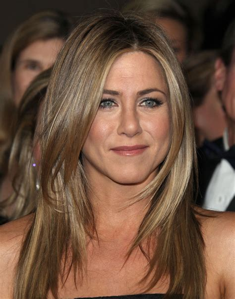 jennifer aniston hairstyles and colors jennifer aniston natural hair color in 2016 amazing photo
