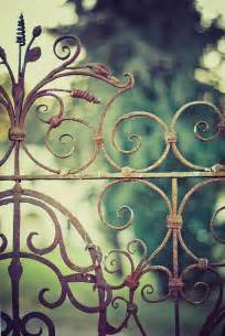 Garden Of Iron Dishfunctional Designs Don T Fence Me In Creative Uses
