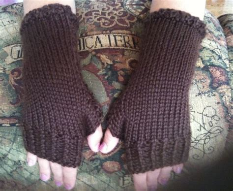 fingerless gloves knitting pattern how to knit fitting fingerless gloves 21 steps