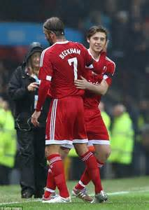 romeo beckham manchester united brooklyn beckham joins dad david at manchester s old