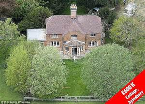163 600 000 cottage in aylesbury in buckinghamshire which is owned by