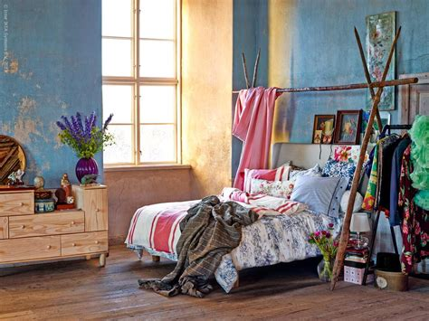 how to create a bohemian bedroom bohemian bedroom decorating ideas midcityeast
