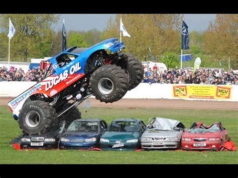 bigfoot 5 crushing monster trucks crush fot videolike