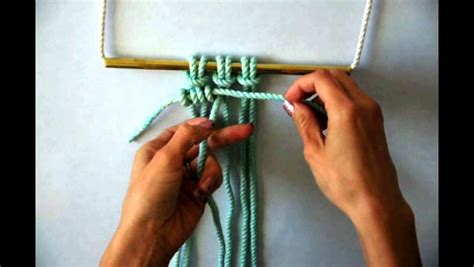 Vertical Half Hitch - macrame how to tie a row of horizontal clove hitch knots