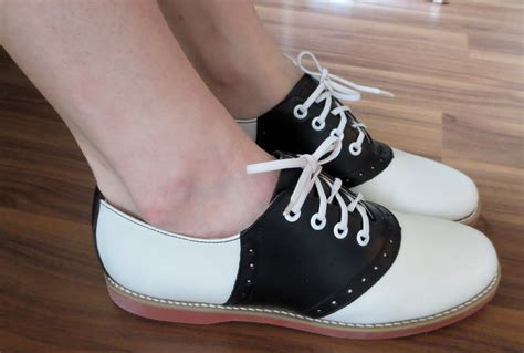saddle oxford shoes womens vintage womens oxford saddle shoes size 9 moonrise kingdom