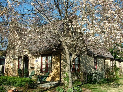 10 bedroom house to rent for the weekend cozy englebrook cottage in the heart of tulsa vrbo