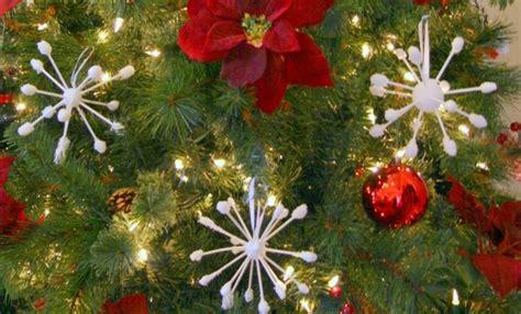 diy christmas tree ornaments  joyful  simple