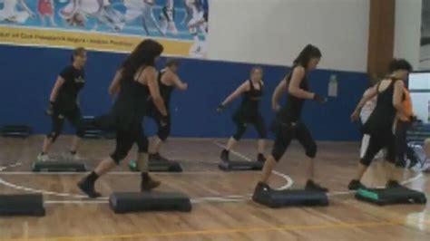 imagenes de step up muss step banco para aerobics y ejercicios rutinas youtube