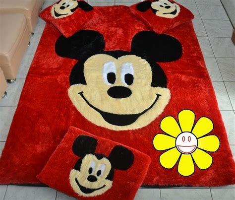 contoh karpet karakter mickey mouse interior rumah 2573