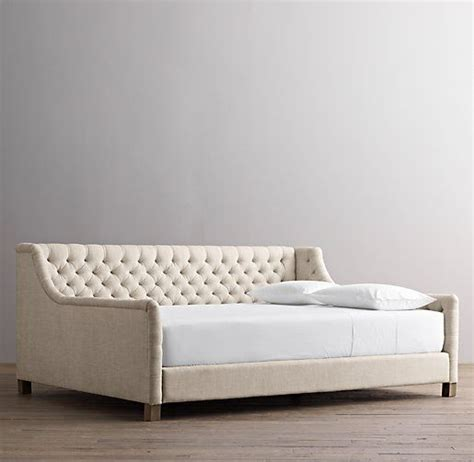 full size day bed 13 best images about couch day bed on pinterest tufted