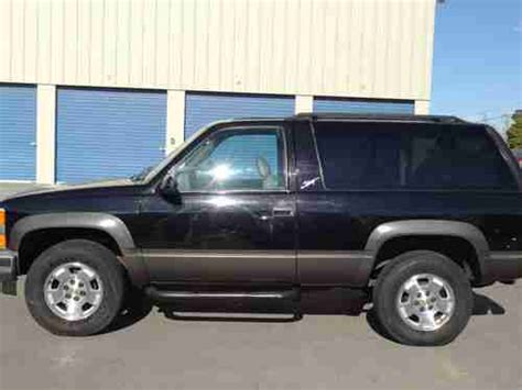 sell used 1998 black chevy tahoe 2 door sport great