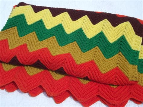 Retro chevron stripes crochet afghan blanket, vintage