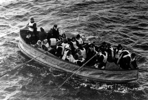 titanic boat english file titanic lifeboat jpg wikimedia commons