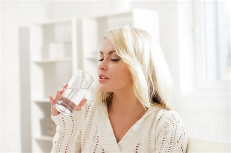 Can I Drink While Taking Stinger 7 Day Detox by How Much Water Should You Drink Per Day