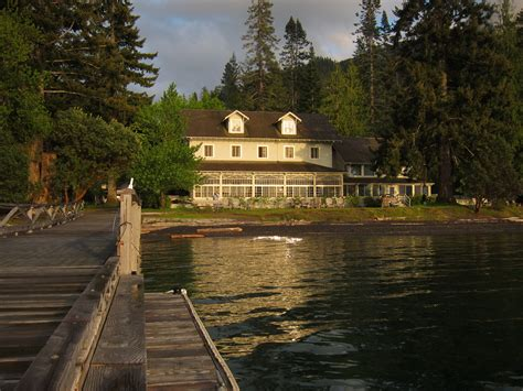 Lake Crescent Cabins by Lake Crescent Lodge