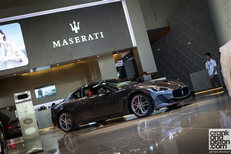 maserati dubai 2013 dubai motor show maserati round up crankandpiston com