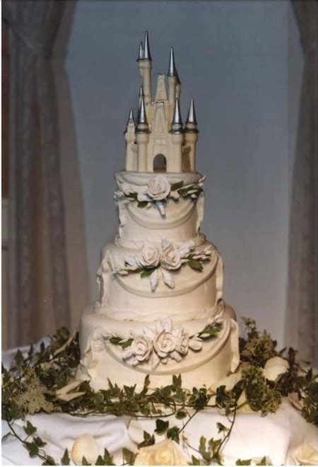 Emilee's blog: A true fairytale wedding cake in white and