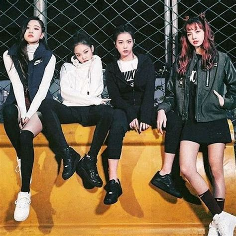 blackpink vogue blackpink x vogue x nike force blink 블링크 amino