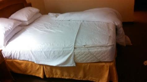 Used Futon Mattress by Bottom Sheet Used On Beds Crossways Exposed