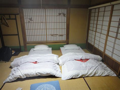 Futon For Bedroom by Bedsharing And Sids The Whole Evolutionary