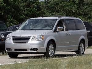 2011 Chrysler Town And Country Problems Chrysler Recalls 367k Mini Vans Due To Faulty Air Bags